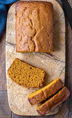 Easy Pumpkin Bread Easy pumpkin bread recipe that makes two loaves of moist homemade pumpkin spice bread. Pumpkin Bread Recipe Martha Stewart, Best Pumpkin Bread Recipe, Pumpkin Spice Bread, Pumpkin Pie Recipes, Easy Bread Recipes, Pumpkin Puree, Fall Recipes, Dessert Bread, Dessert Recipes