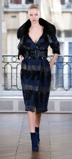 https://www.vogue.com/fashion-shows/fall-2018-ready-to-wear/ralph-and-russo/slideshow/collection#25