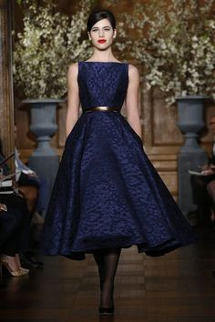 Romona Keveza Bridal Spring 2014 This looks like it would be so flattering. Pretty Outfits, Pretty Dresses, Beautiful Outfits, Gorgeous Dress, Mode Style, Dream Dress, Dress Me Up, Runway Fashion, Bridal Fashion