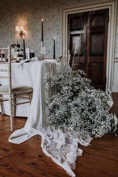Luxe Wedding, Floral Wedding, Wedding Colors, Winter Wedding Flowers, Wedding Table Flowers, Cute Wedding Ideas, Wedding Styles, Modern Wedding Inspiration, Gypsophila Wedding