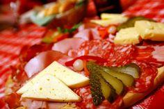 Marendòl (traduzione dal fiammàz: spuntino con prodotti tipici).  Tradizione e Gusto www.visitfiemme.it