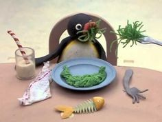 Pingu: Breaks the ice. Kids no matter what the species never want to eat their vegetables. Pingu Pingu, Reaction Pictures, Funny Pictures, Pingu Memes, Memes Br, Wholesome Memes, Cartoon Pics, Stupid Funny Memes, Stop Motion