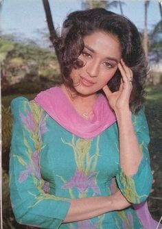 Bollywood Actress Hot Photos, Beautiful Bollywood Actress, Bollywood Fashion, Madhuri Dixit Hot, Punjabi Dress, Vintage Bollywood, Madurai, Wedding Poses, Timeless Beauty