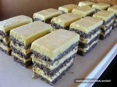 Slikovni rezultat za beze torta krema od žumanjaka s maslacem Slovak Recipes, Czech Recipes, My Recipes, Sweet Recipes, Cake Recipes, Dessert Recipes, Cooking Recipes, Poppy Seed Dessert, Kolaci I Torte