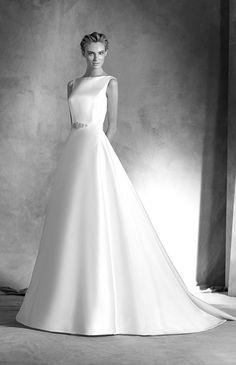 シンプルであるからこそ際立つ素材の上質さ♪ ♡ラグジュアリーな花嫁衣装ウェディングドレスまとめ参考一覧♡