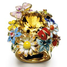 A poetic jewel inspired by Monsieur Dior's garden in Milly-la-Forêt. Each part of this ring is hand-lacquered before assembly. 750/1000 yellow gold, diamonds, citrine, pink sapphire, amethyst, mandarin garnet, tsavorite and lacquer ring by Dior