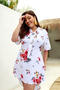 Plus Size Floral Half Sleeve Tie Blouse Dress Plus Size Bikini Bottoms, Women's Plus Size Swimwear, Simple Dresses, Plus Size Dresses, Plus Size Outfits, Tie Blouse, Blouse Dress, Fashion Mode, Fashion Outfits