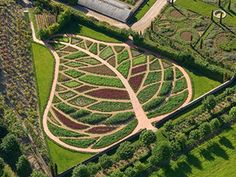 potager garden permaculture at DuckDuckGo Farm Gardens, Outdoor Gardens, Landscape Architecture, Landscape Design, Garden Design Plans, Potager Garden, Market Garden, Garden Structures, Edible Garden
