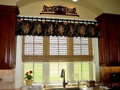 Modern Kitchen Window Curtains Style — Fence and Gate Ideas Kitchen Curtain Designs, Vintage Kitchen Curtains, Country Kitchen Curtains, Kitchen Window Valances, Kitchen Windows, Kitchen Design, Kitchen Blinds, Country Window Treatments, Valance Window Treatments