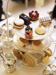 The Ritz Afternoon Tea Image from LondonTown.com