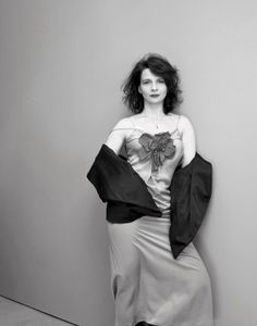 Juliette Binoche / Actress / Black and White Photography by Kate Barry Juliette Binoche, Kate Barry, Sean Young, Nastassja Kinski, French Beauty, French Actress, Different Hairstyles, Female Photographers, Beautiful Actresses