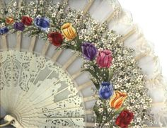 A breathtakingly delicate, pleated fan w/ a sheer, scalloped lace leaf featuring a stunning hand painted floral design & ribbing of pierced, carved bone(?) or lacquered pear wood (?) illustrating a romantic vignette. Antique Fans, Vintage Fans, Vintage Stuff, Pretty Hands, Beautiful Hands, Beautiful Dolls, Hand Held Fan, Hand Fans, Chinese Fans