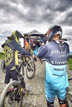 Auf dem Weg zum Start des iXS European Downhill Cups # 2 während des 19. BIKE Festivals Willingen. | Foto: Y-SiTE