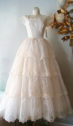 Vintage 1950's Wedding Dress  50s Eyelet Lace