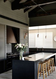 Modern Kitchen Interior Farm house in Flinders by Canny Architecture - Archiscene - Your Daily Architecture Black Kitchens, Luxury Kitchens, Home Kitchens, Custom Kitchens, Farmhouse Kitchen Decor, Country Kitchen, New Kitchen, Taupe Kitchen, Kitchen Ideas