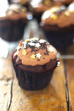 As Minhas Receitas: Cupcakes de Chocolate com Arandos e Cobertura de Nutella