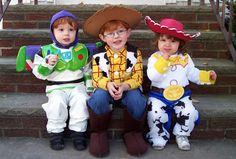 Buzz, Woody, and Jessie. Thinking of having Eli go as Buzz and Grace go as Jessie! Toy Story Costumes, Cute Costumes, Disney Costumes, Halloween Costumes, Costume Ideas, Group Costumes, Fantasias Toy Story, Woody And Jessie Costumes, Buzz Costume