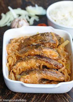 Yassa Fish Yassa Chicken (Senegalese seasoned fish smothered in lemon, garlic and mustard sauce, grilled or fried) Saveur Recipes, Cooking Recipes, Healthy Recipes, Fish Dishes, Seafood Dishes, Fish Recipes, Seafood Recipes, Senegalese Recipe, Nigeria Food