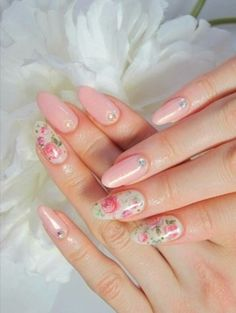 Cute romantic floral nails. Great idea for spring