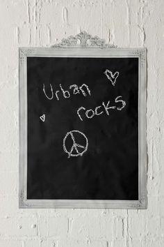 Gerahmte Tafel als Wandaufkleber bei Urban Outfitters