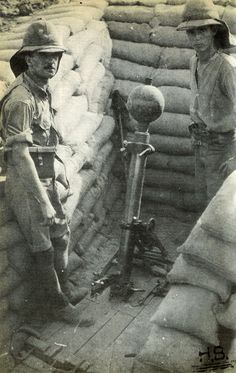 WWI, English artillery. -http://humanbonb.free.fr/Phototheque/images/phototheque/normal/120211192726.jpg