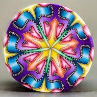 Circle Kaleidoscope Polymer Clay Cane 'Sweet Hope' por ikandiclay