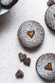 These chocolate cut out cookies are sandwiched together with sweet, yet tart kumquat jam. They're absolutely delicious and are great for the holidays! Fun Baking Recipes, Delicious Cookie Recipes, Jam Recipes, Sweet Recipes, Homemade Raspberry Jam, Kumquat Recipes, Traditional Christmas Cookies, Cookie Calories, Cut Out Cookies