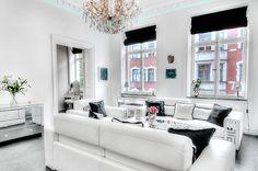 love this black and white Luxury decor