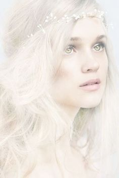 Look Boho Romantique Johann Wolfgang Von Goethe, Look Boho, Snow Queen, Shades Of White, Green Shades, Pastel Shades, Character Inspiration, Writing Inspiration, Portrait Photography