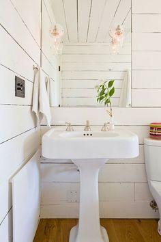 Jessica Helgerson Design Tiny House Bath / Remodelista