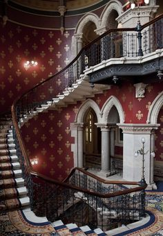 A London Tourist Guide. You Don't Need A Travel Agent To Pick A Great London Hotel. A great hotel turns your vacation into a fantasy. Haunted Hotel, Haunted Places, London Tourist Guide, Hotel Safe, Renaissance Hotel, London Apartment, Gothic House, Victorian Gothic, Great Hotel