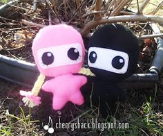 Felt ninja plushies as party favors for my son's b-day! Click to go to my blog