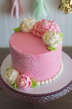 Cake Decorating Frosting, Cake Decorating Designs, Cake Decorating Techniques, Cake Designs, Pretty Cakes, Beautiful Cakes, Amazing Cakes, White Flower Cake Shoppe, Rodjendanske Torte