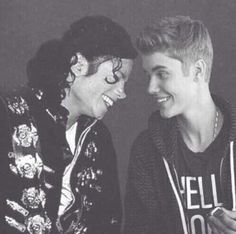Michael Jackson with Justin Bieber - http://www.facebook.com/BelieberFamilyCom