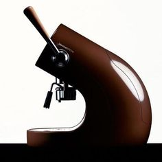 Many Italians call espresso a romantic kind of coffee and it's easy to see why. The nature of espresso is such that it doesn't take a whole lot to fill you up. Cappuccino Maker, Cappuccino Machine, Cappuccino Coffee, Espresso Maker, Coffee Mugs, Coffee Type, Best Coffee, Coffee Geek, Coffee Shop