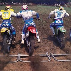 Guy Cooper (4), Jeromy Buehl (58), Mike Kiedrowski (1), Jeff Matiasevich (20) and Jean- Michel Bayle (22) blast off the line at Kenworthy's in 1990 - @motocrossactionmag