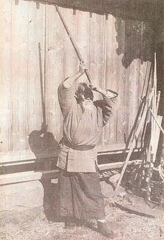 AIKIKEN..........PARTAGE OF O SENSEI UESHIBA MORIHEI FOUNDER OF AIKIDO........ON FACEBOOK...........