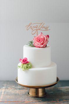 Cake Topper und Tortenstecker Ewig Uns für Hochzeit - Wunderschöne Cake Topper mit handkalligrafiertem Schriftzug | Hochzeitsblog The Little Wedding Corner