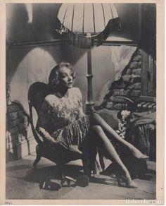 FOTO DE MARLENE DIETRICH EN LA PELÍCULA BERLÍN OCCIDENTE 1948, DIRIGIDA POR BILLY WILDER