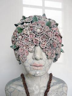 """""""La femme objet"""" // sculpture céramique, détail"""