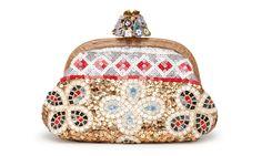 Pochette Dolce & Gabbana http://www.vogue.fr/mode/shopping/diaporama/un-noel-en-laponie-cadeaux/16530/image/886092#!dolce-amp-gabbana-minaudiere-cadeaux-de-noel-laponie