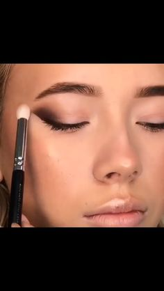 Makeup Tricks to Look Younger : 11 Ways to Look Younger With Makeup – Beauty – - Makeup Tips For Older Women Makeup Tricks, Makeup 101, Makeup Goals, Love Makeup, Skin Makeup, Makeup Inspo, Eyeshadow Makeup, Makeup Inspiration, Maybelline Eyeshadow