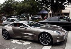 Grey Aston Martin. Luxury, amazing, fast, dream, beautiful,awesome, expensive, exclusive car. Coche gris lujoso, increible, rápido, guapo, fantástico, caro, exclusivo.