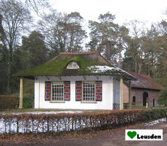 Oude tuinmanswoning op landgoed Den Treek uit 1887