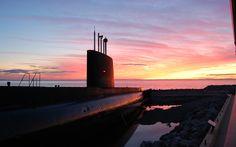 Visitez le sous-marin ONONDAGA! Bas Saint Laurent, Willis Tower, Cn Tower, Marines, Building, Travel, Image, Underwater, Tourism