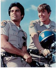 Google Image Result for http://i.ebayimg.com/t/CHiPS-70s-80s-Estrada-Wilcox-Police-Drama-TV-Series-8X10-Color-Photo-/00/s/MTQyNFgxMTY4/%24(KGrHqJ,!nwE-wqtg63KBP2Hidw4E!~~60_35.JPG