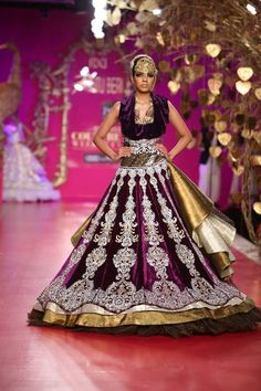 How stunning and majestic is this Indian bridal creation?