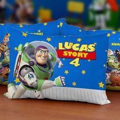 30 Almofadas Personalizadas para Festa Toy Story Modelo 002    ESTÁ INCLUSO NESSE KIT  -30 almofadas personalizadas frente e verso;  -30 saquinhos para embalar;  -30 fitas para laço.    COMO COMPRAR  1. Confira a quantidade de almofadas que deseja, neste anúncio é possível comprar apenas 1 kit de...