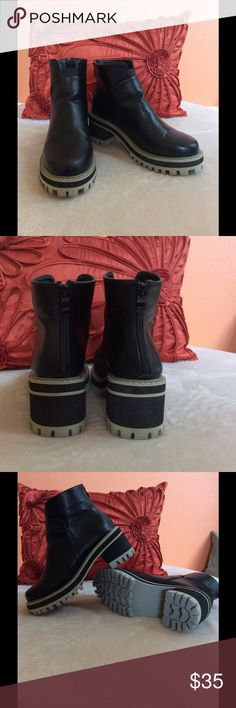 Faux Leather Black Ankle Boots Black ankle boots, faux leather, chunky heel, zipper at back of boots. German brand, purchased at BooHoo, EUR Size 39, US Size 8. Worn only once Boohoo Shoes Ankle Boots & Booties