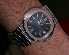 Patek Philippe Nautilus 5711/1A-010 Watch Review